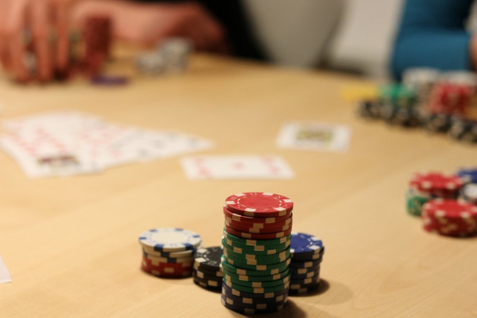 A game of live poker in progress.